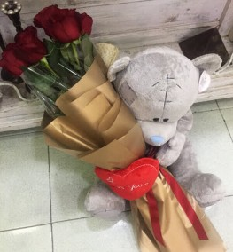 9 Roses Large Teddy