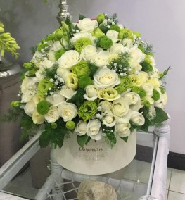 Flowers In Box Flowerboxes Box Of Flowers Box Of Roses In Yerevan Anemon Flower Salon